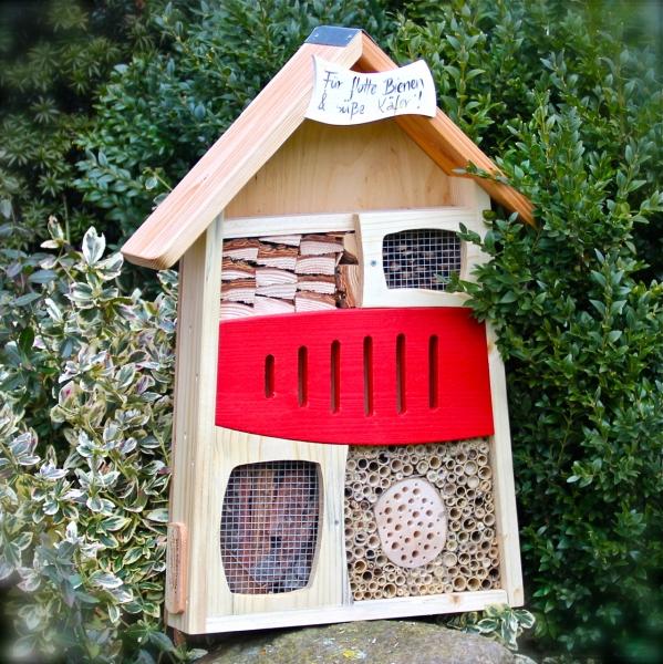 biologische vorteile von insektenhotels vogel und. Black Bedroom Furniture Sets. Home Design Ideas