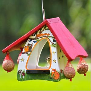 vogelvilla futterhobbit zieht v gel an vogel und. Black Bedroom Furniture Sets. Home Design Ideas