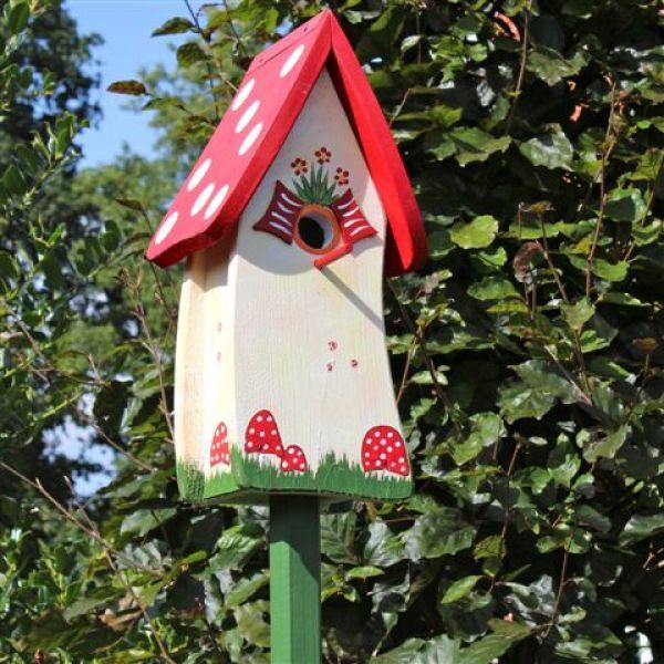 vogelvilla waldhaus nistkasten vogelhaus vogel und. Black Bedroom Furniture Sets. Home Design Ideas