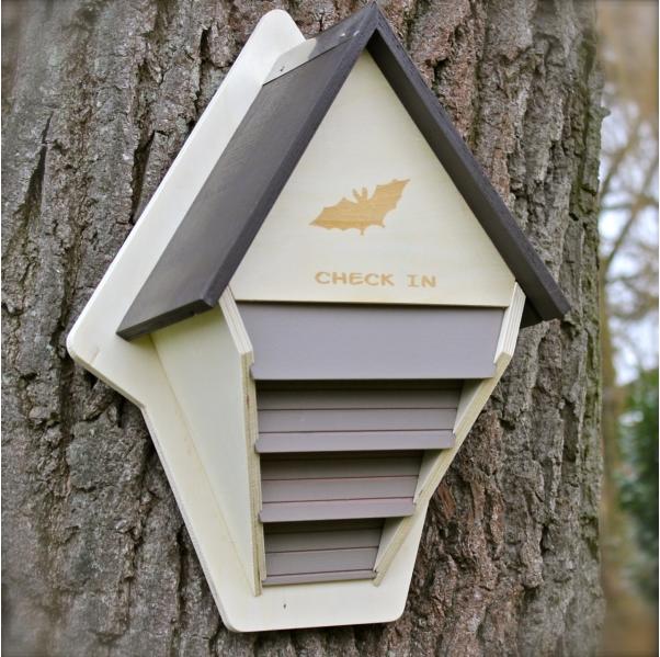 fledermauskasten bauanleitung f r fledermauskasten zum selber bauen vogel und. Black Bedroom Furniture Sets. Home Design Ideas