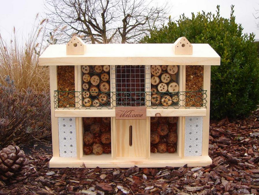 insektenhotel reinigen tipps zur pflege vogel und naturschutzprodukte einfach online kaufen. Black Bedroom Furniture Sets. Home Design Ideas