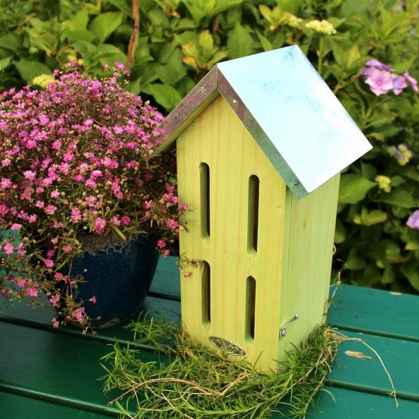 schmetterlingshaus selber bauen mit bauanleitung vogel und naturschutzprodukte einfach online. Black Bedroom Furniture Sets. Home Design Ideas