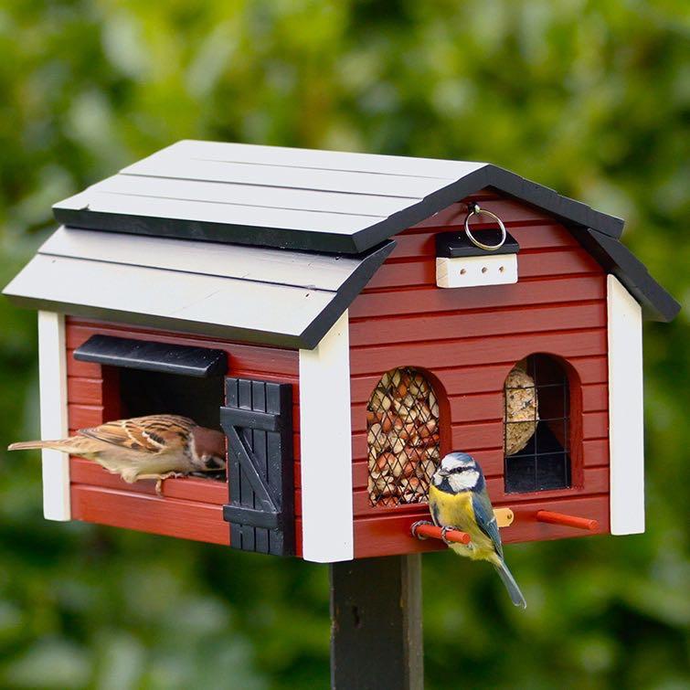 futterscheune rot futterhaus vogel und naturschutzprodukte einfach online kaufen. Black Bedroom Furniture Sets. Home Design Ideas