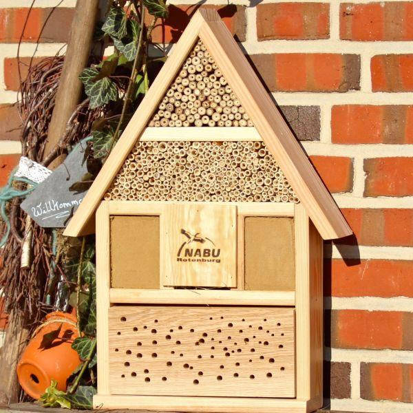 insektenhotel vom nabu empfohlen vogel und naturschutzprodukte einfach online kaufen. Black Bedroom Furniture Sets. Home Design Ideas