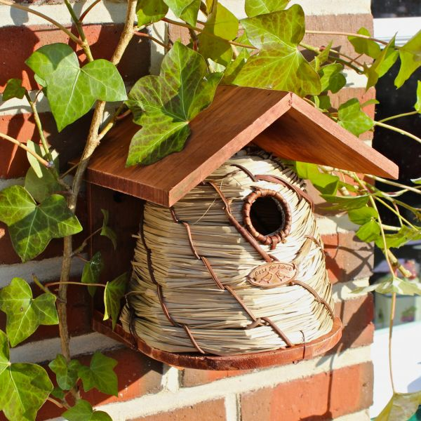 nistkasten bienenkorb nisth hle vogelhaus vogelh uschen esschert design vogel und. Black Bedroom Furniture Sets. Home Design Ideas
