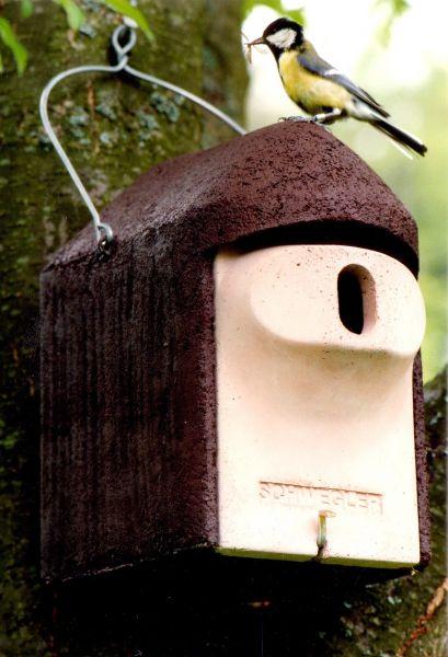 schwegler nisth hle 2gr oval mit katzen und marderschutz vogelhaus vogel und. Black Bedroom Furniture Sets. Home Design Ideas